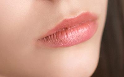 Lakme-Absolute-Matte-Lipstick-Peach-Carnation1